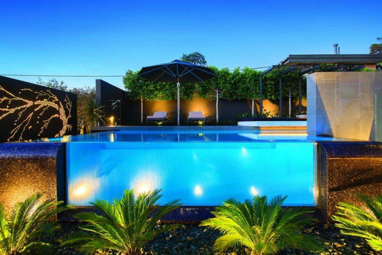 piscina-transparente-moderna