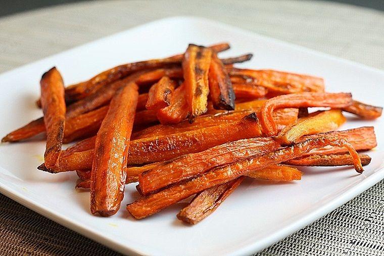 plato-zanahorias-claras-frescas