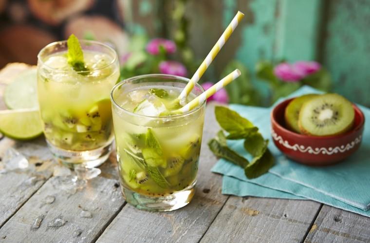 recetas de cocteles-caseros-vodka-caipiroska