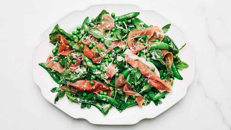 recetas-de-ensaladas-faciles-primavera-guisantes-prosciutto