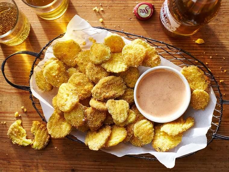 recetas-sencillas-comida-verano-fiesta-patatas-salsa