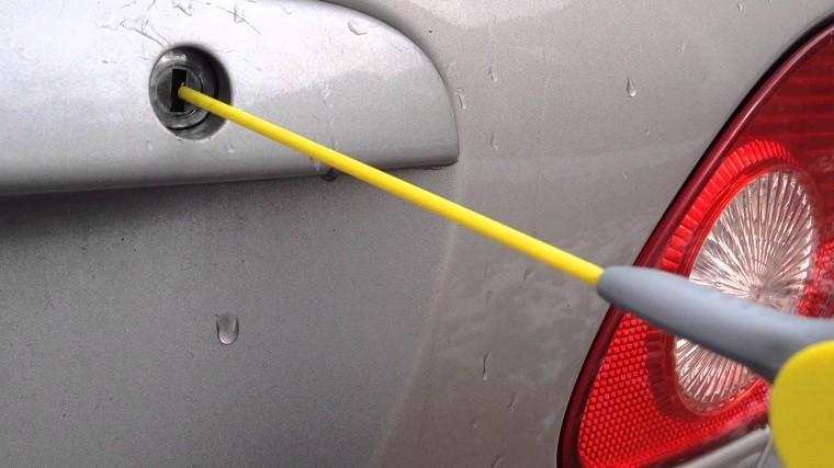 spray-wd-40-trucos-utilizar-limpiar-cerraduras