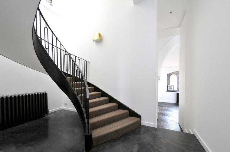 tipos de escaleras-caracol-interiores