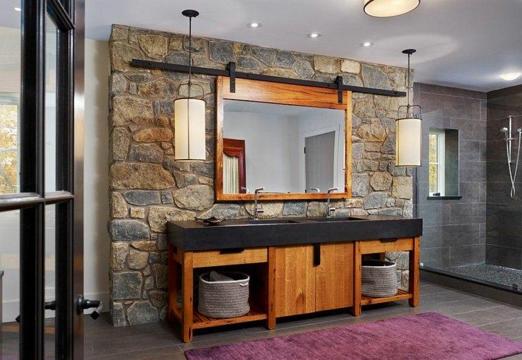 baños con paredes de piedra