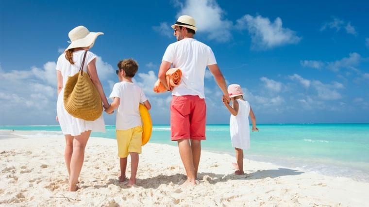 vacaciones en familia playa