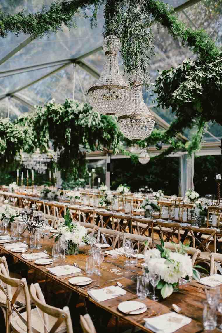 adornos para boda-estilo-bohemio-mesas-madera-ideas-decoracion