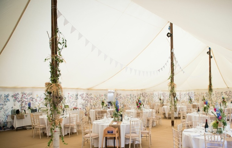 adornos para boda-estilo-bohemio-simples-detalles-flores