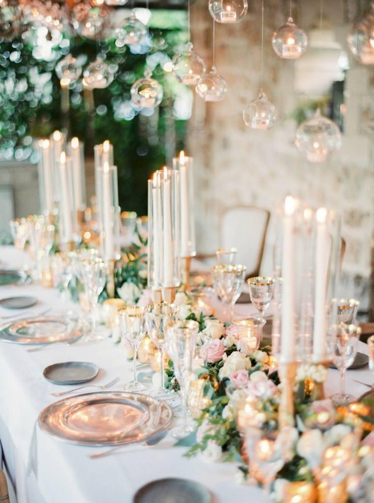 adornos-de-boda-estilo-bohemio-velas-flores-decorar-mesa