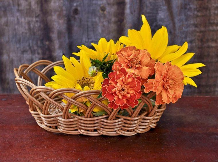 arreglos florales sencillos-decorar-cestas