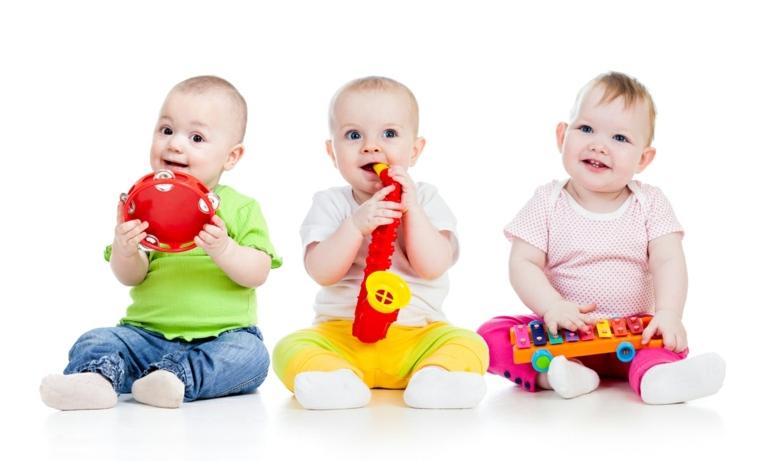 bebés-con-instrumentos-musicales