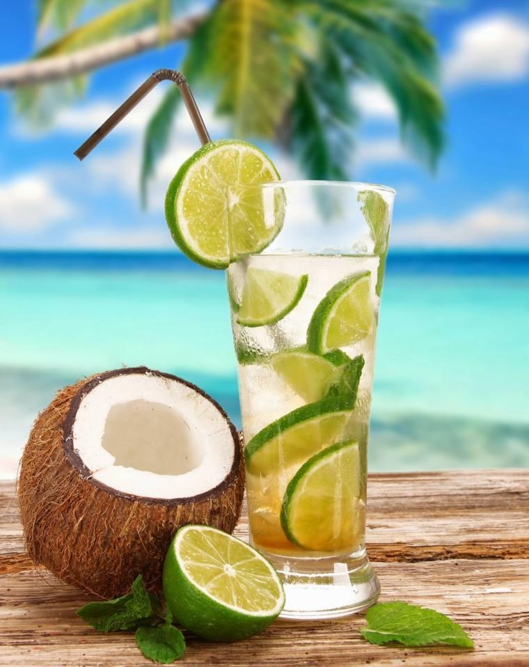bebidas exoticas-sin-alcohol-agua-coco