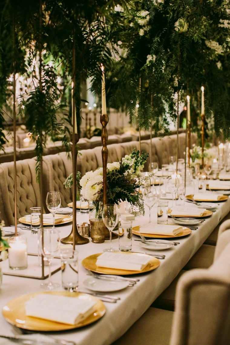 boda-decoracion-estilo-bohemio-velas-candelabros-altos