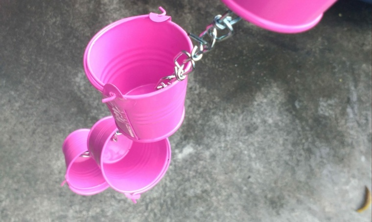 cadenas de-lluvia-de-cubos