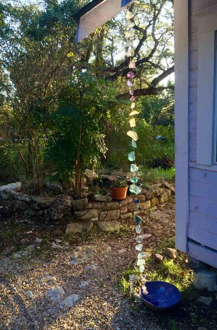 cadenas de-lluvia-de-piedras