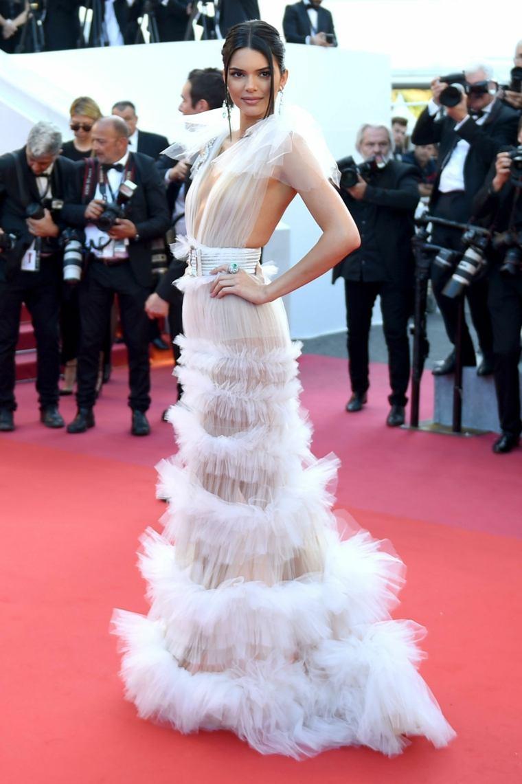 canes-festival-cine-Kendall-Jenner-Schiaparelli