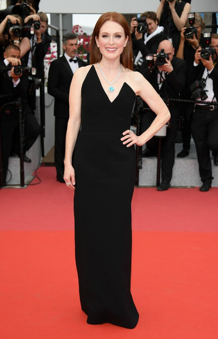 cannes-festival-Julianne-Moore-Saint-Laurent-Anthony-Vaccarello