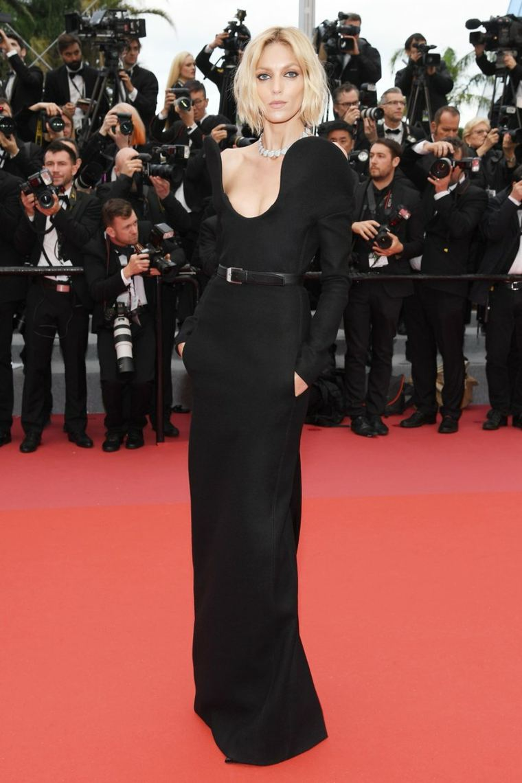 cannes-festival-cine-anja-rubik-saint-laurent-anthony-vaccarello-diseno