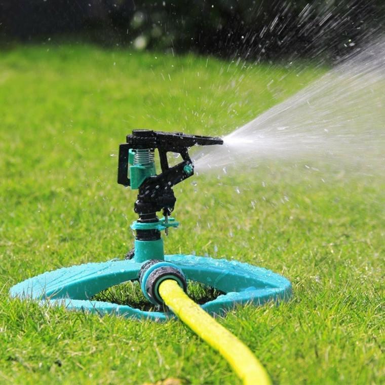 lawn tips-useful-maintenance-irrigation