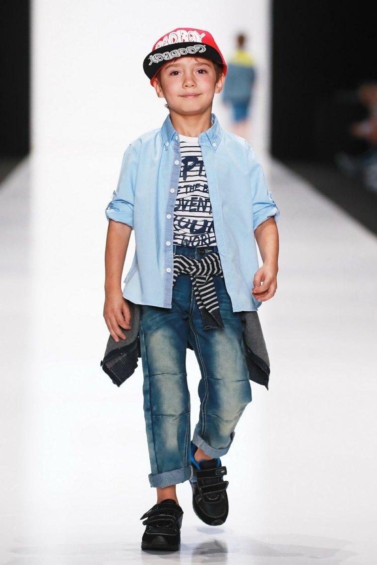 chico-en-desfile-de-moda