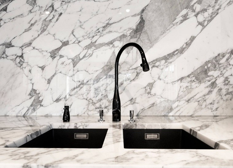 cocina-lavabo-salpicadero-marmol-diseno-willem-benoit