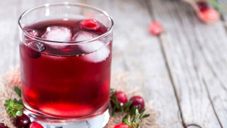 cocteles con tequila-sin-alcohol-arandanos