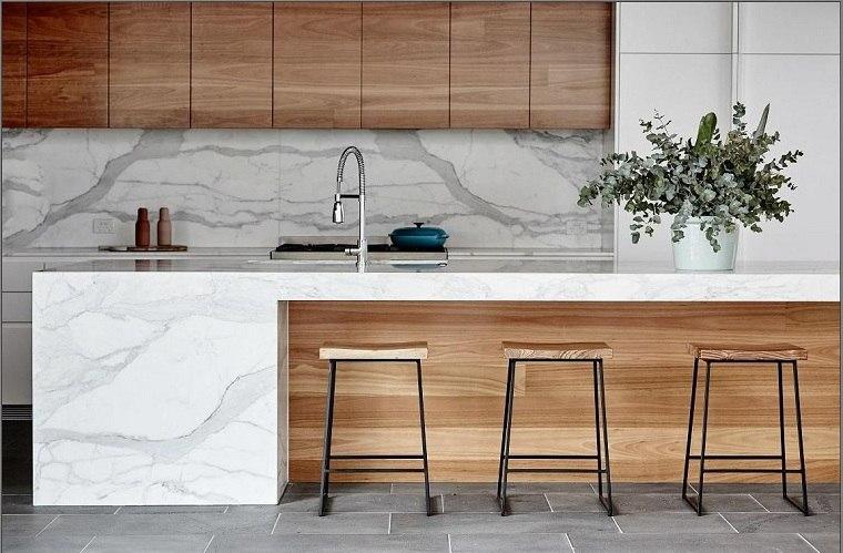 combinacion-madera-marmol-diseno-cocina