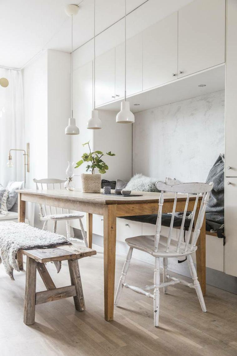 comedor-madera-mesa-paredes-armarios-blancos