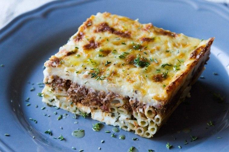 comida-griega-pasta-carne-opcione-originales-comida