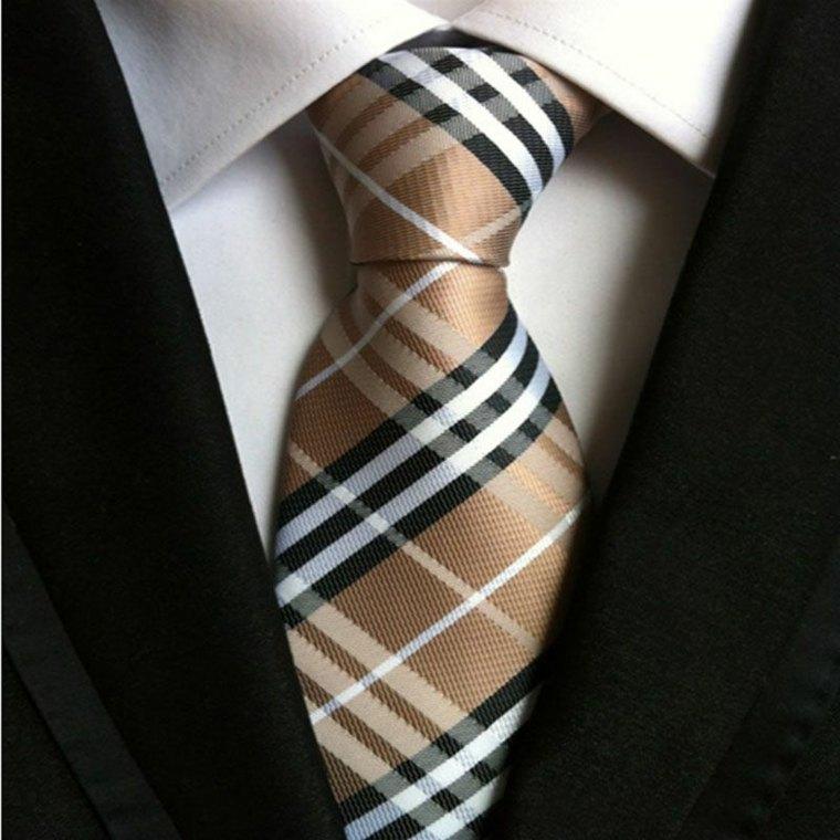 como amarrar una corbata-facil-casa