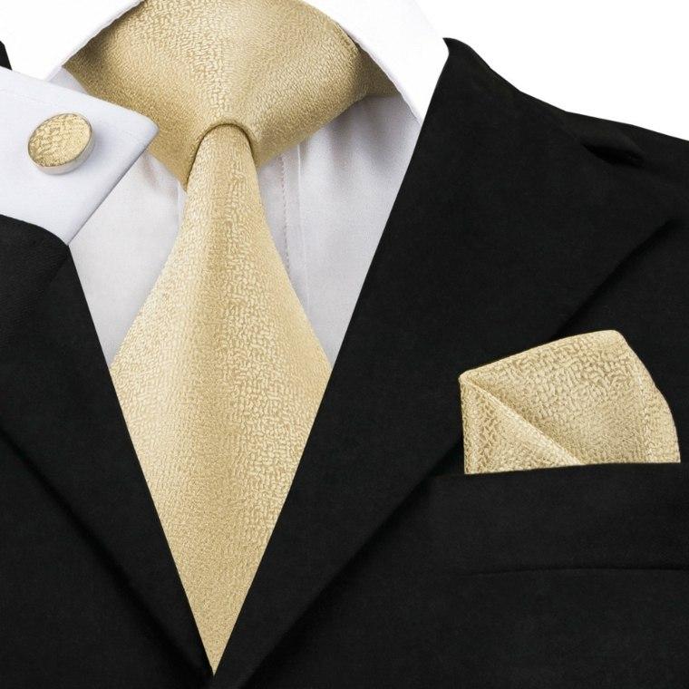 como atar una corbata-facil-casa