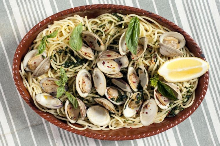 como hacer espagueti blanco-almejas-casa