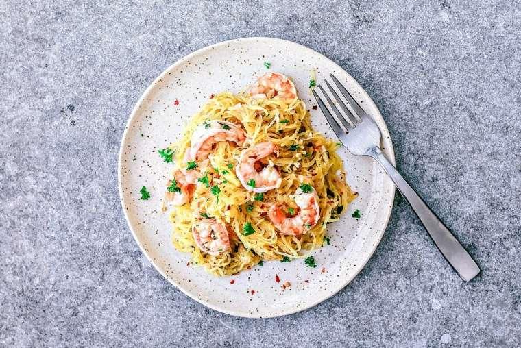 como hacer espagueti-camarones-facil-casa