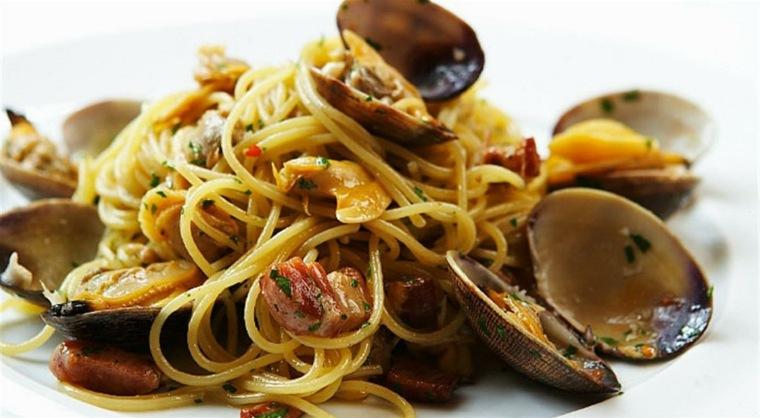 como hacer espagueti-marisco-facil-casa