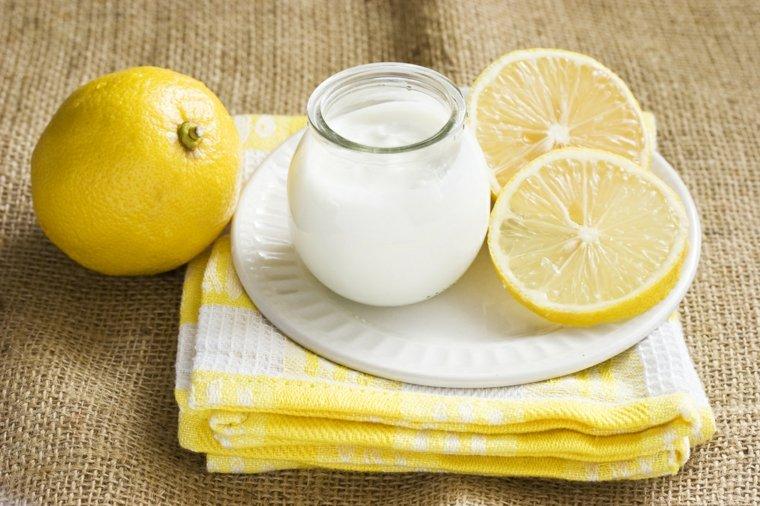 como hacer shampoo-limon-huevo
