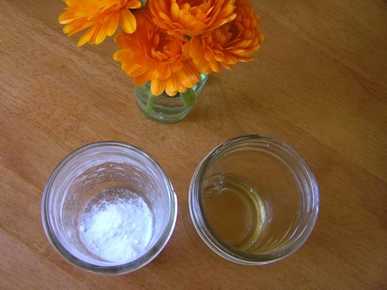 como hacer shampoo-vinagre-bicarbonato