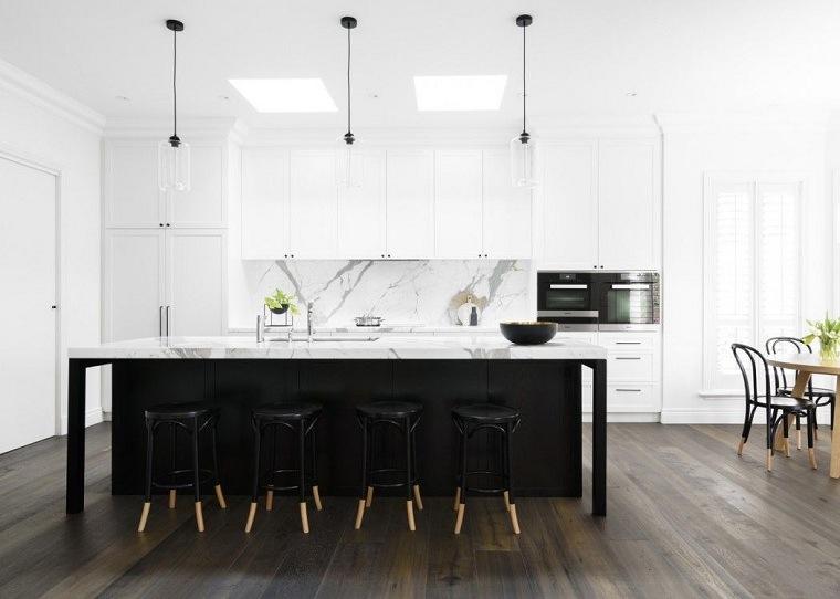 decoracion-para-cocinas-amplias-isla-negra-grande