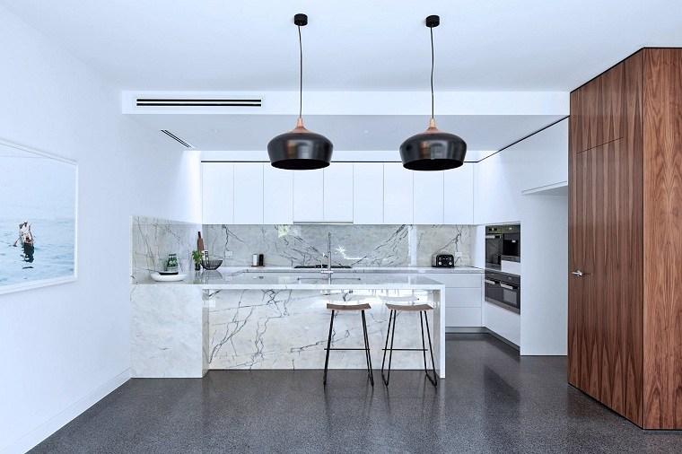 decoracion-para-cocinas-mamrol-lamparas-negras