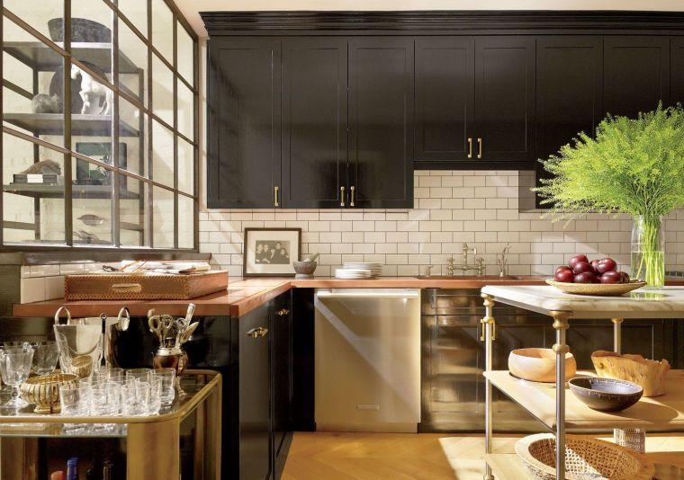 diseños de cocinas modernas -muebles-negros-encimeras-madera