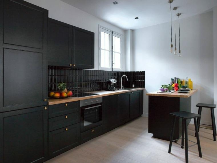 diseños de cocinas modernas negro-madera-Maureen-Karsenty