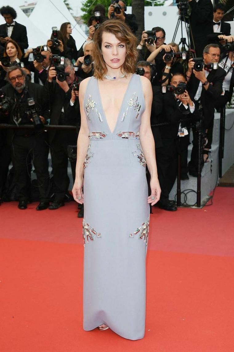 festival-cine-francia-Mila-Jovovich-vestido-prada