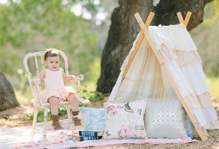 glamping-con-niños-en-el-jardin
