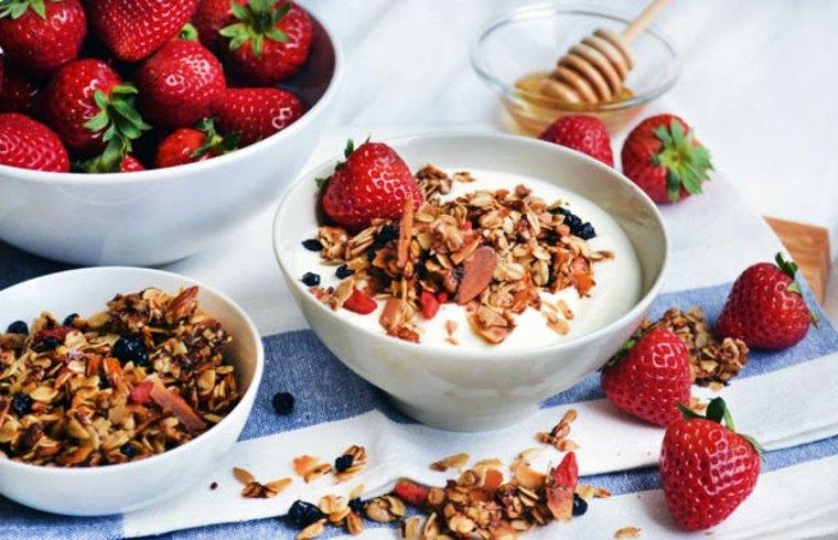 granola-con-fresas