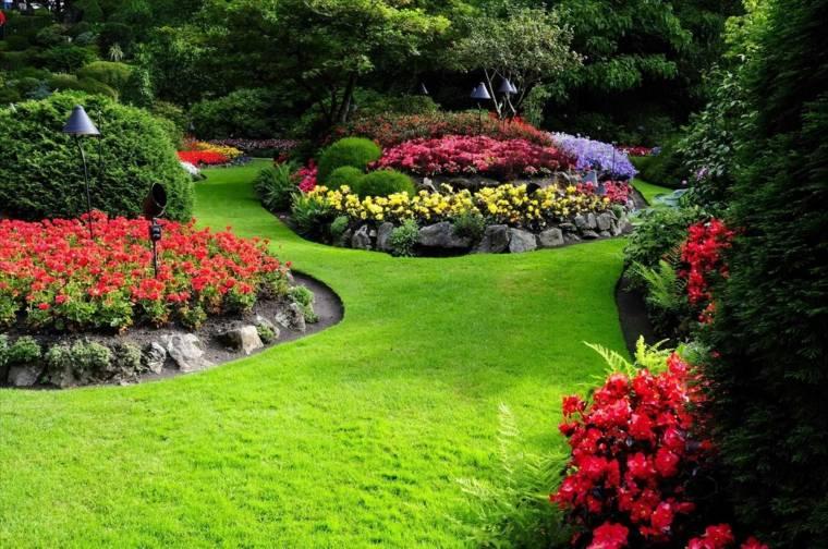 imagenes de jardines-mantenimiento-riego