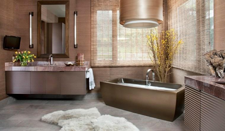 interiorismo y decoracion-banos-acentos-dorados
