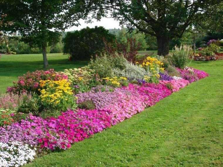 jardines con flores-mantenimiento-riego