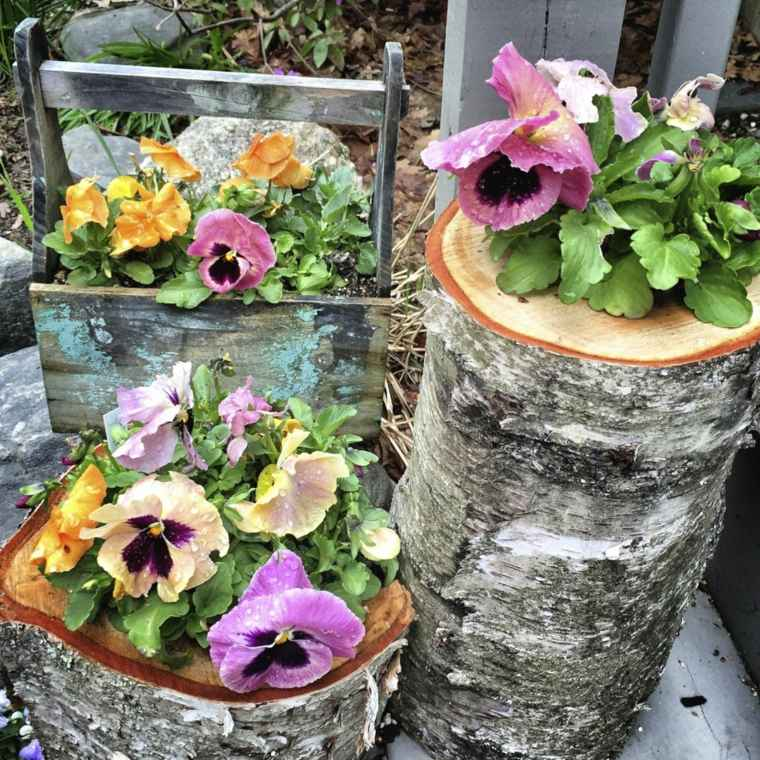 jardineras originales-troncos-madera-decorar-jardin