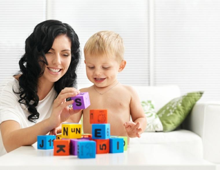 juegos-para-niños-de-un-año-letras