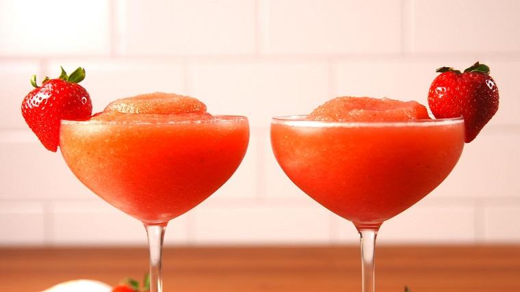 las-mejores-recetas-de-cocteles-granizado-fresa