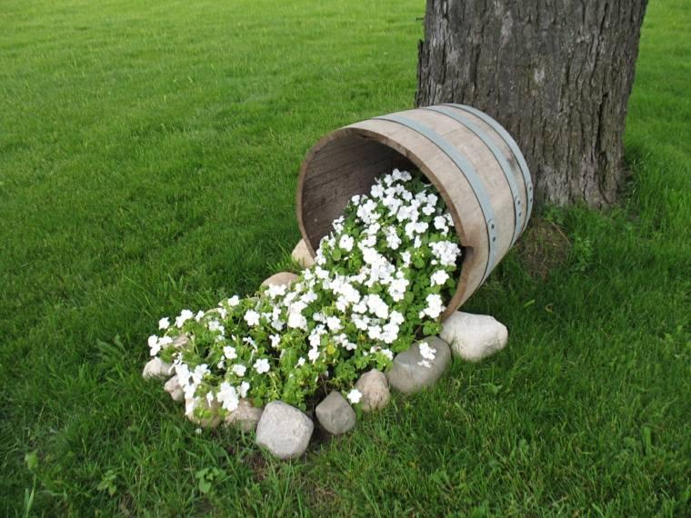 macetas recicladas-decorar-jardines-exteriores