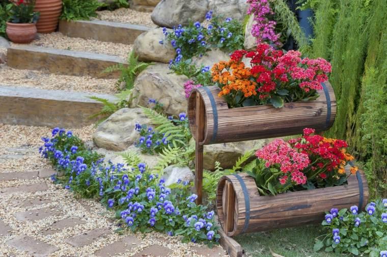 macetas recicladas-madera-decorar-jardines